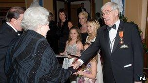Frank Carson meets the Queen at the Royal Variety Performance in 2009