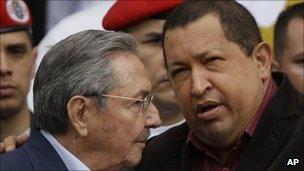 Hugo Chavez and Cuban President Raul Castro, 5 February 2012