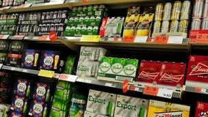 Diodydd alcohol ar werth