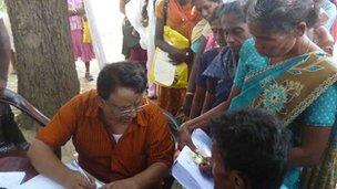 Sri Lankan Tamils meet officials for their identity cards
