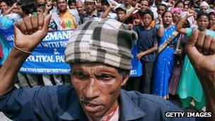 Bhutanese refugees protest at India-Nepal border, 2007