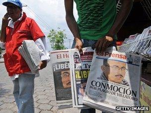 Honduran newspaper sellers