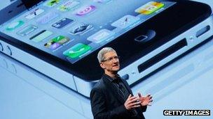 Tim Cook launching the iPhone 4S