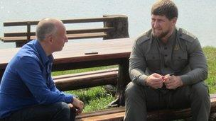 Steve Rosenberg (l) meets Ramzan Kadyrov