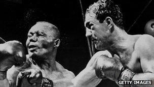 Rocky Marciano yn 1952