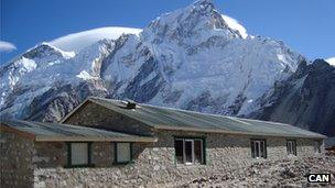 Gorakshep porter shelter near Everest