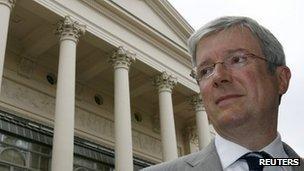 Tony Hall outside the Royal Opera House in 2007