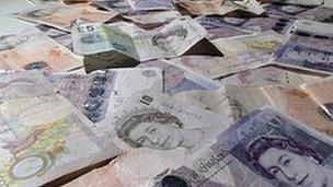 Loose cash notes