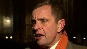 Ysgirfennydd Cymru David Jones