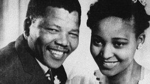 Priodas Nelson a Winnie Mandela yn 1958