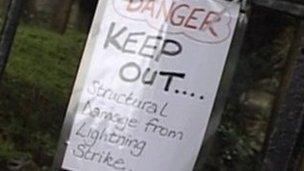 Lightning strike sign