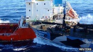 Sun Laurel tanker (L) and Sea Shepherd's Bob Barker (25 Feb 2013) Image by ICR