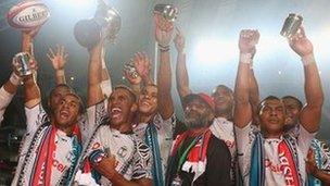 Fiji yn dathlu buddugoliaeth
