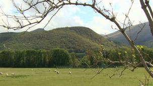 Tir yng Ngarth Celyn, Gwynedd