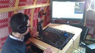 Lansiad Radio Beca