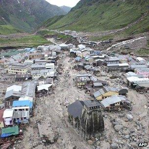 The Kedarnath Temple amid flood destruction (18 June)