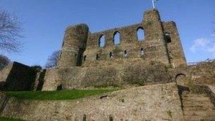 Castell Hwlffordd