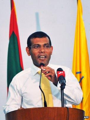 Mohamed Nasheed accepts defeat in Male, 16 November