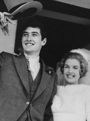 Euryn Ogwen a Jenny: yn cael Blwyddyn newydd dda ar Ionawr 1af 1966