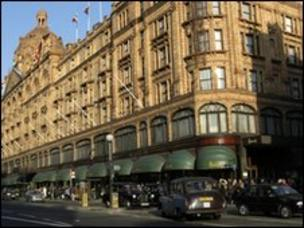 6342f7a232 History of Harrods department store - BBC News