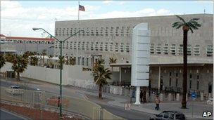 US closes its consulate in Ciudad Juarez - BBC News