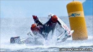 Close-up as two zapcats collide (Photo: Cardiff Camera Club/Royston Leonard)