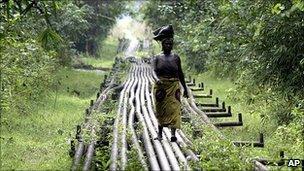 Oil pipeline near Shell's Utorogu flow station in Warri, Nigeria (file image)