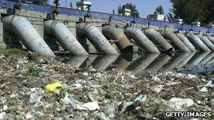 Waste dredged from the water system in Mexico City (file)