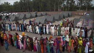 Flood victims in in Sukkar, Sindh province