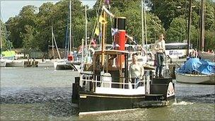 Paddle steamer, PS Monarch
