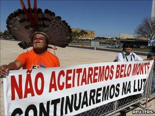 Indigenous people campaign against the construction of the Belo Monte dam in Brasilia (26 August 2010)