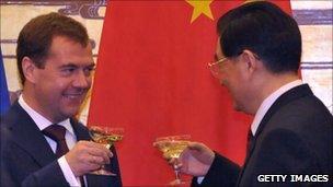 Medvedev and Hu Jintao