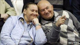Yuri Luzhkov watches tennis in Moscow with his wife Yelena Baturina, 2007