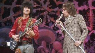 Ronnie Wood and Rod Stewart in The Faces