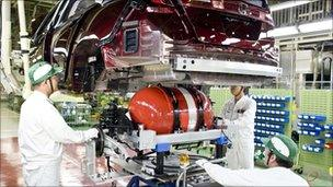 Honda hydrogen fuel-cell car in production