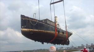 Boat being lifted from Irvine Harbour