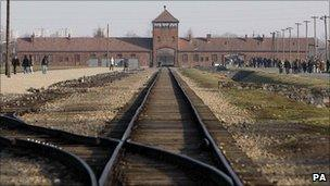Auschwitz memorial: Germany gives $80m for preservation - BBC News