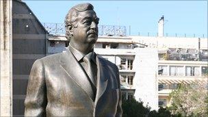 Statue of Rafik Hariri
