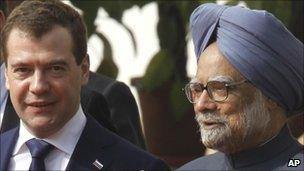 Dmitry Medvedev and Manmohan Singh (21 December 2010)