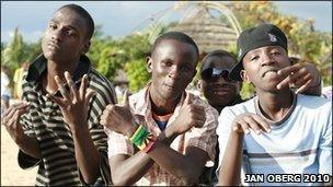 Young people in Burundi (Photo: ObergPhotographics.com)