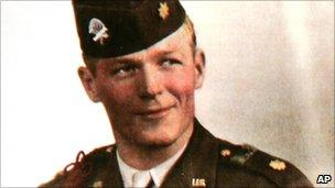 Band of Brothers  Maj Richard Winters dies aged 92 - BBC News 27e3fa09d