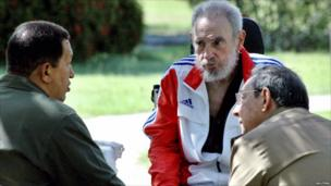 Former Cuban leader Fidel Castro listens during a meeting with his brother Cuban President Raul Castro and Venezuela's President Hugo Chavez in Havana, 18 June 2008.