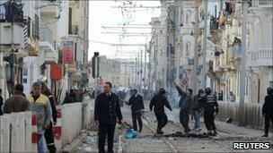 Protests in Tunis, Tunisia (13 Jan 2011)