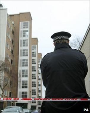 Peckham murder 'Snitch' leaflet: what has changed? - BBC News