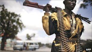 A soldier in Bakara market in Mogadishu, Somalia (Archive shot 2007)