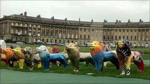 Lions in front of Royal Crescent, Bath