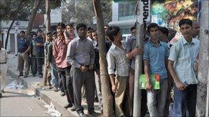 Bangladeshis queue for World Cup tickets