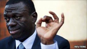 Kizza Besigye addresses reporters in Kampala, 19 February