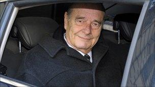Former French President Jacques Chirac leaves his office in Paris, 7 March 2011