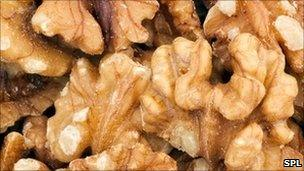 Walnuts are the healthiest nut, say scientists - BBC News